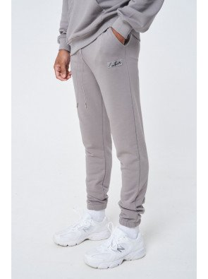 ESSENTIALS RELAXED FIT JOGGER