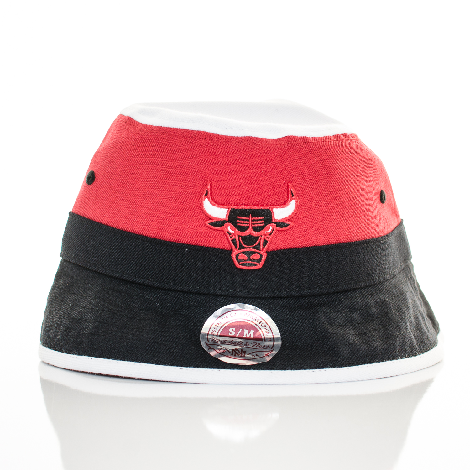 Klobúk Mitchell & Ness Chicago Bulls Bucket Black Red White S/M