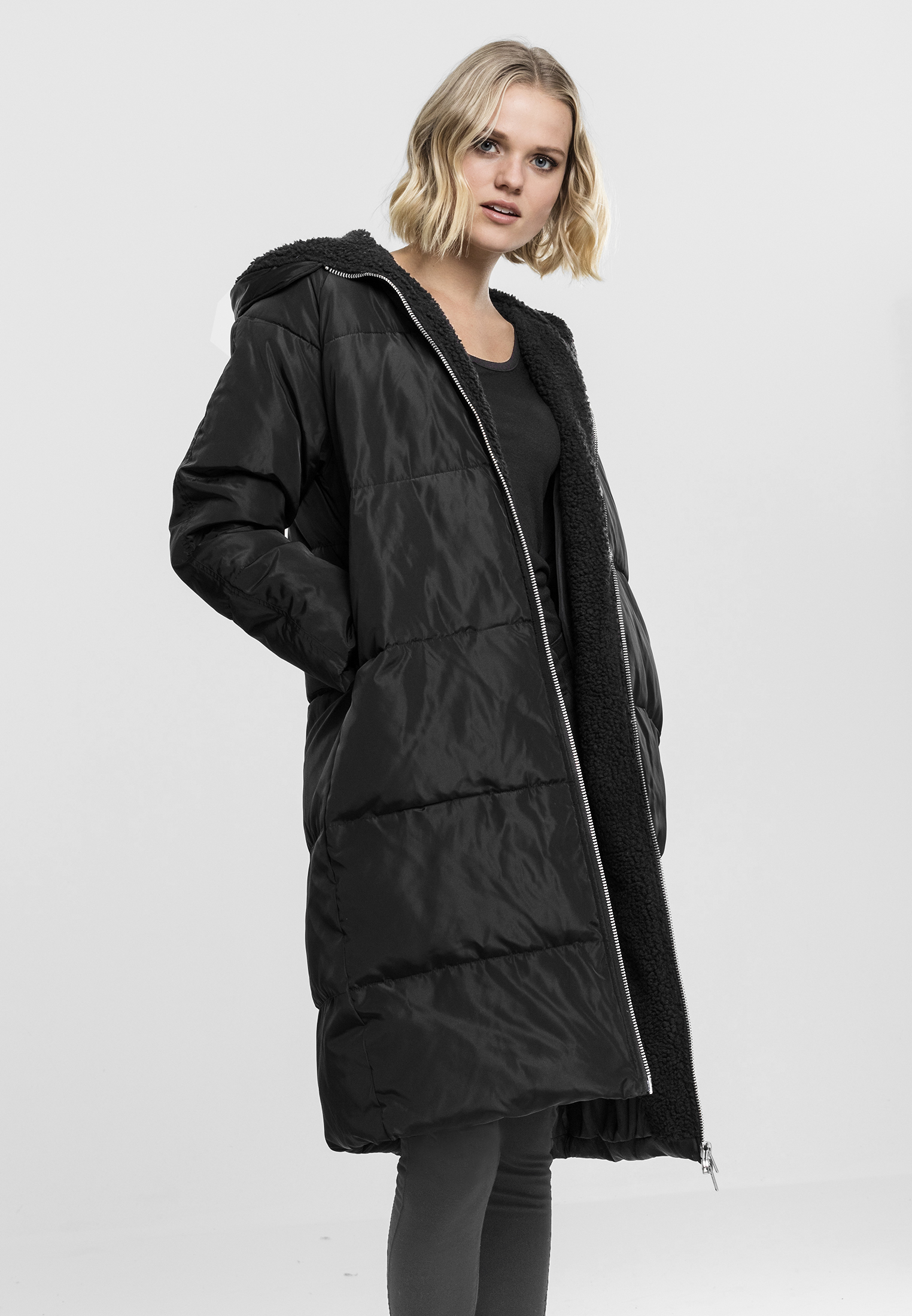Bunda Urban Classics Oversized Hooded Puffer Black Black L